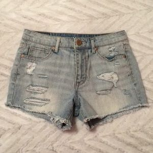NWOT Distressed denim shorts